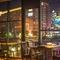 店内から眺める中州・那珂川の夜景