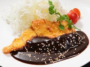 (会員限定)産地直送の新鮮な三種の肉の旨みを堪能する『純系名古屋コーチンの鳥刺し』