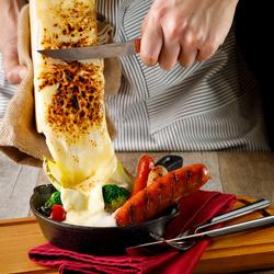3H飲み放題付き【7品4000円⇒3500円】人気のクレットチーズは柔らかな食感と深いコクのある風味が魅力