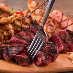 こだわりのサーロインを使用した「厳選黒毛和牛のサーロインステーキ」が楽しめるプレミアムコース♪