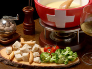 ワイン・チーズ&天然木 Unico