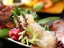 鎌倉野菜や葉山牛を使用した料理で、季節感ある味覚を提供します