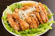 ジューシーな鶏ももと爽やかな酸味が美味しい『特製台湾ユーリンチー』