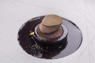 パティシエのセンスが光るジビエを駆使した独創的デザート『ショコラロワイヤル』