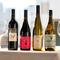 ソムリエが厳選したワインの数々。ビオワインも楽しめる