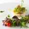 珍しい野菜や国産西洋野菜など、旬の野菜を使用。オーガニック原料のドレッシングで食する『前菜』