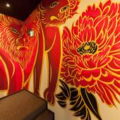木村英輝氏の手掛ける当店自慢の壁画