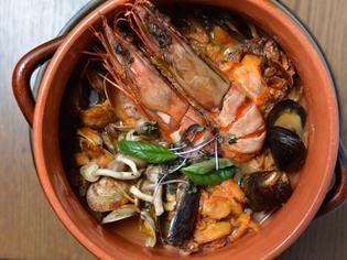 魚介たっぷり、ぜいたくなフランスの風『魚介のブイヤベース』