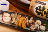 『島めぐり串』は北から順に4種類並んだ欲張りな串