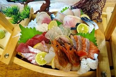 鮮魚を豪快に盛りつけた『豪快漁師盛り』