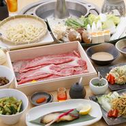 年始の仕事初めに、みんなで美味しい料理を味わいませんか。前日までに予約をしておけば、会の進行に合わせて料理をスムーズに提供してくれます。幹事さんも鼻高々。