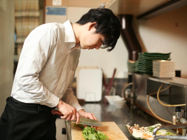 お客様の食事のペースに合わせた料理の提供で心地良い空間を演出
