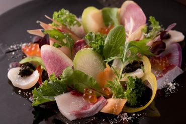 新鮮魚の彩りゴットサラダ
