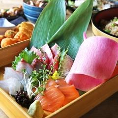 当店大人気のロング海鮮ユッケは「鯛」♪メディアでも取り上げられた当店イチオシのメニューです!
