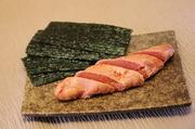 オマール海老をまるごと1尾使った豪快な一品! スパイシーな味わいがくせになります(^^♪
