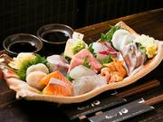 鮮度抜群の牡蠣・生うに・アワビなど豪華十種のネタが楽しめるお刺身好きにはたまらない贅沢な内容です!
