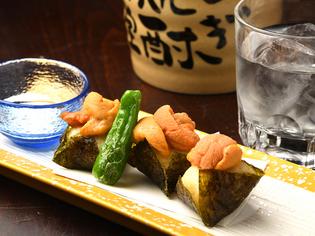とろけるような不思議な食感を持つ『山芋とウニの磯辺揚げ』