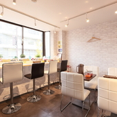 最大9名までの完全個室として利用可能なパーティースペース