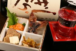 鮮度と旨みにこだわったお刺身盛り合わせや、季節の天ぷらなどの和食で、ちょっと贅沢な接待会食にどうぞ!