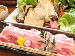 「鱈の海鮮醤油鍋」「〆の雑炊膳」などが付いた全6品の飲み放題付コース。