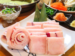120分飲み放題付でお料理全5品の贅沢な内容となっております。飲み会や宴会、接待、会食などにも最適です!