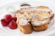 独特のフワフワ食感が人気『フラッフィーフレンチトースト』