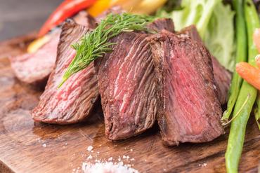 柔らかい食感がとにかく人気!『イチボステーキ』