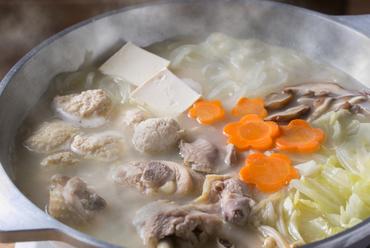 鶏肉本来の旨みが堪能できる『水炊き』