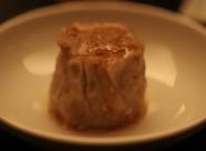 上品な味わいの肉汁が口の中でジュワーっと広がる『小籠包』