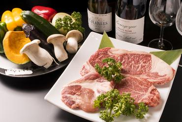 肉の旨みが存分に味わえる『各種鉄板焼き』