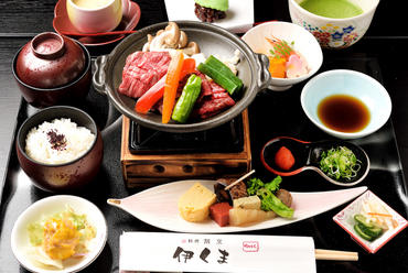 肉の横綱とも称される「伊賀牛」を、贅沢に味わえる『伊賀牛陶板御膳』