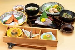 旬素材を使用したスタンダードに美味しい和食を楽しむ宴会コース