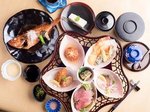 昼間でも優雅な時間と、店主こだわりの味を満喫できる『和久和久膳』
