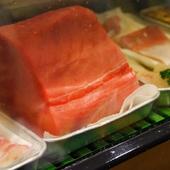 新鮮な魚は、毎朝直接仕入れている厳選されたものばかり