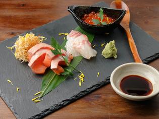 自身の目で選ぶ、旬の京野菜や北海道直送の新鮮な魚介類など