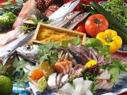 料理人の技で美味しく締めた『鮮魚お造り盛り合わせ』