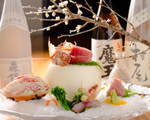 北海道から四国、九州より仕入れる天然魚介『お造り盛合せ』