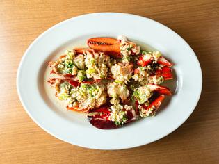 オマール海老を贅沢に使った料理の数々