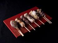 朝引き鶏を贅沢に味わう『鶏刺し5点盛り』