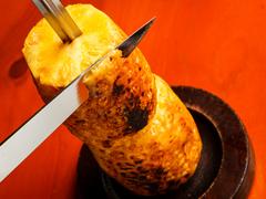 シュラスコ(肉・その他)全9種にサラダ・一品料理・ライス・スープ等はビュッフェスタイルで食べ放題!