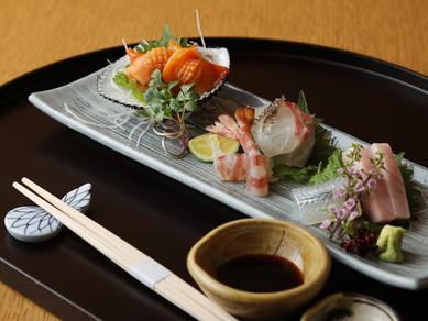 瀬戸内や日本海の季節の天然鮮魚で彩る『旬の魚の御造り』