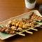 笑顔亭オリジナルの塩タレと新鮮な鶏肉が自慢の串