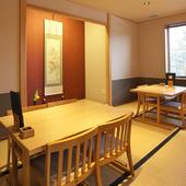 目的に合った個室で、接待から宴会まで幅広く対応
