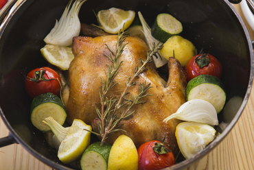 丸鶏と有機野菜のレモンとローズマリー風味