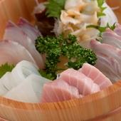 新鮮な魚を厳選、納得の味わいを堪能できる『刺し盛り』