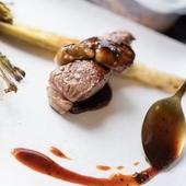 多彩な料理と魅力の空間で、二人の食事がいっそう楽しくなる!