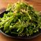 肉の合間の絶妙な繋ぎを演出してくれる『肉罠サラダ(春菊)』