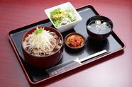 肉本来の旨さを塩ダレと新潟産コシヒカリで『カルビ丼ランチ』