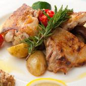 地鶏本来の味わいを楽しめる『山口県産 長州鶏のグリル 岩塩とレモン添え』