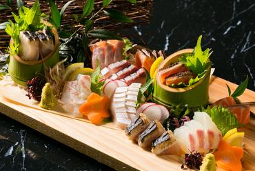 その時期に美味しい鮮魚を一皿に『小宴会盛り(3~4人前)』